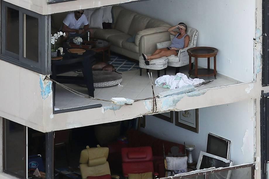 Apartamentos são vistos sem janela após serem arrancadas pelo furacão Maria, em San Juan, Porto Rico