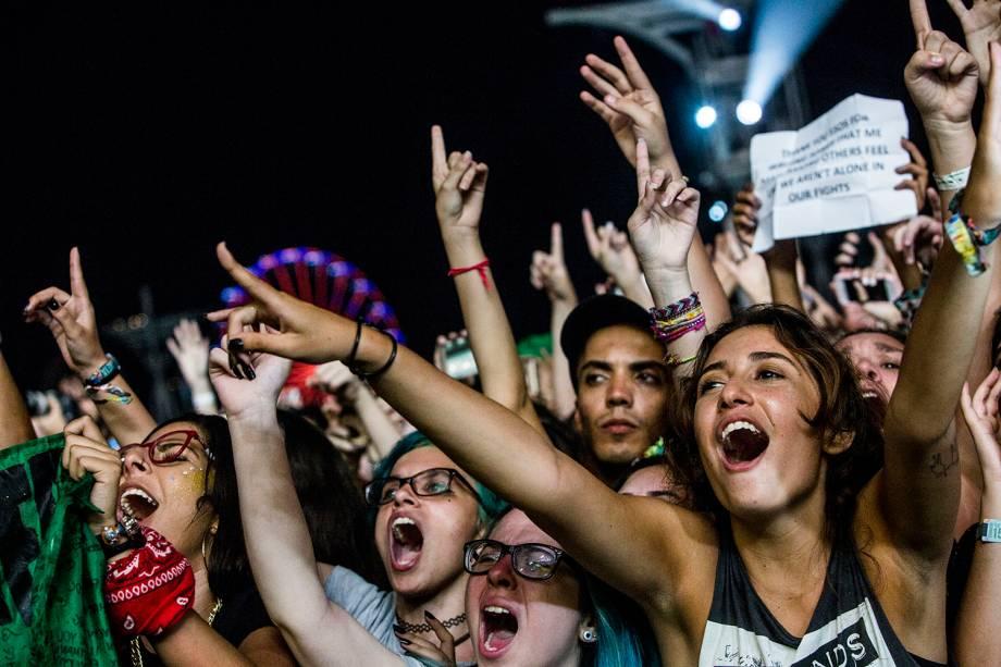 Público durante o show da banda Maroon 5 no Palco Mundo, no primeiro dia de Rock in Rio - 15/09/2017