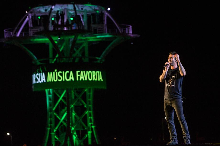 A banda Maroon 5, liderada por Adam Levine no Palco Mundo durante o primeiro dia de Rock in Rio - 15/09/2017