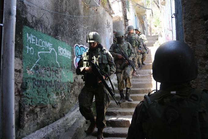 Operações das Forças Armadas durante o segundo dia de ocupação na Rocinha, no Rio – 23/09/2017