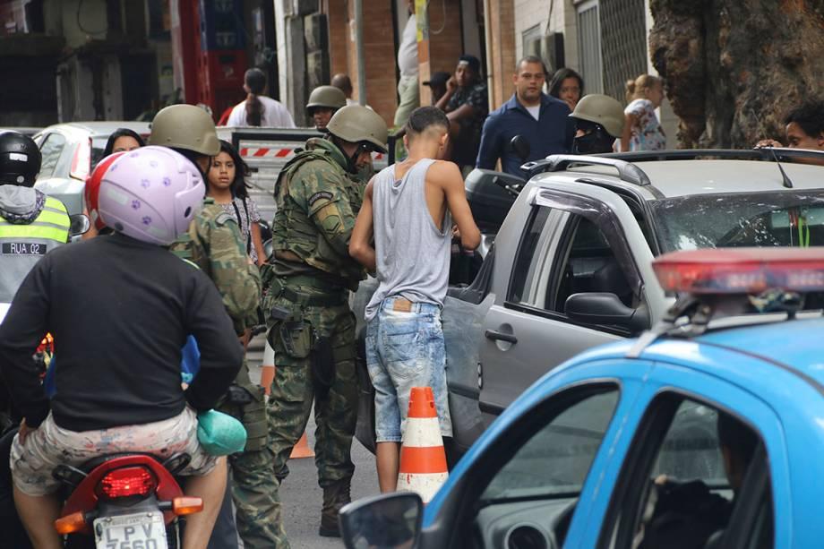 Operações das Forças Armadas durante o terceiro dia de ocupação na Rocinha, no Rio - 24/09/2017