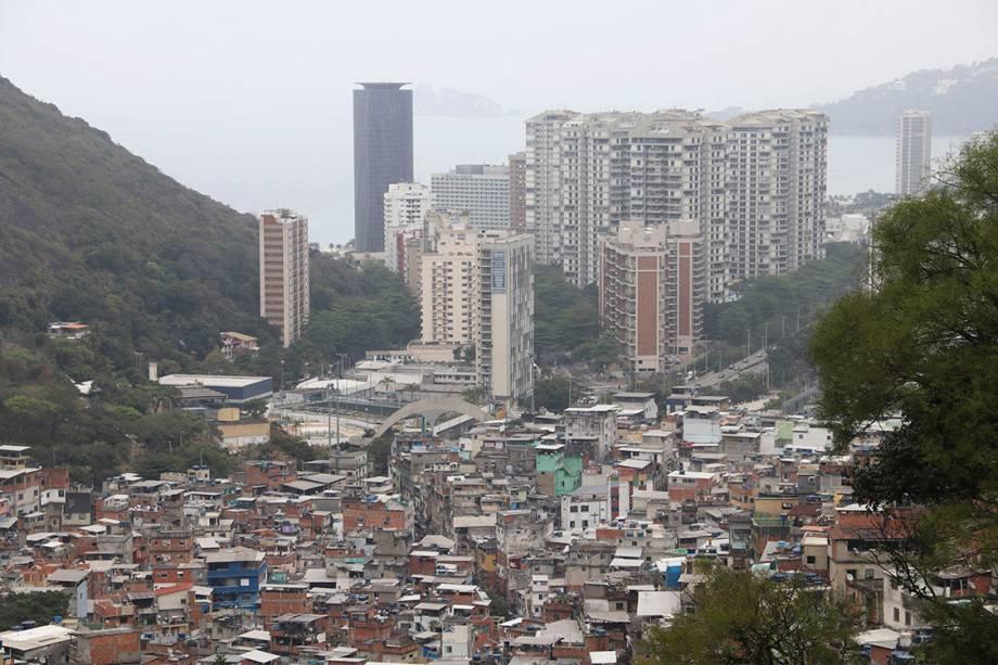Vista da comunidade da Rocinha durante o terceiro dia de ocupação das Forças Armadas, no Rio - 24/09/2017