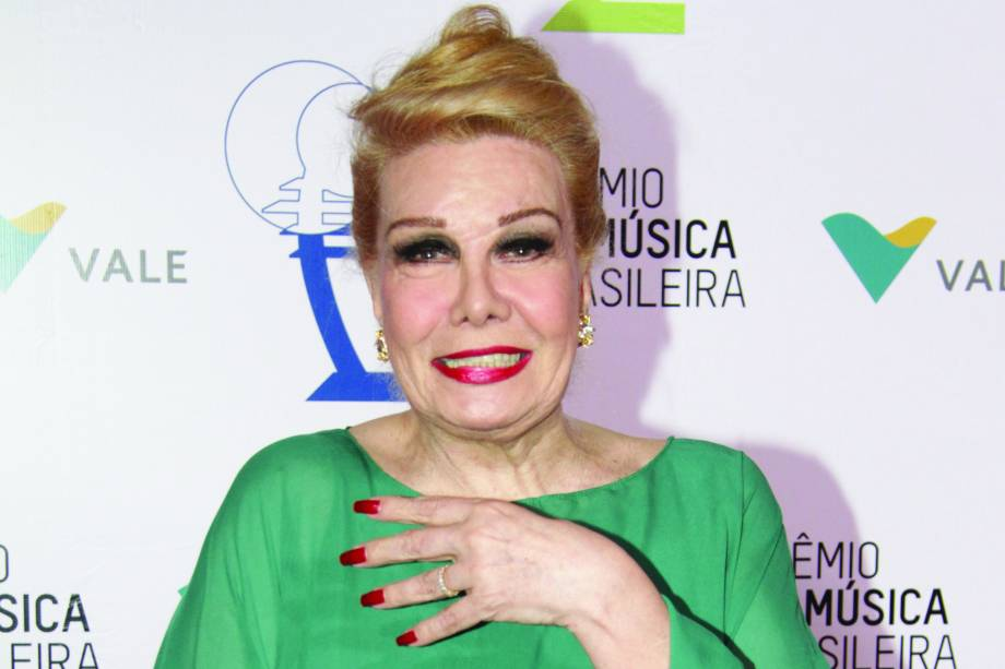 Rogéria durante o 26 Prêmio da Música Brasileira - 06/10/2015