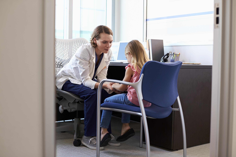 Qual profissional deve cuidar da saúde mental do meu filho? | VEJA