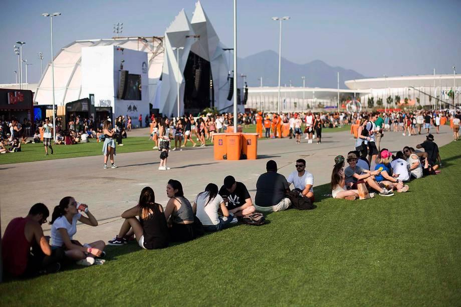 Movimentação do público no segundo dia do Rock in Rio no Parque Olímpico no Rio de Janeiro - 16/09/2017