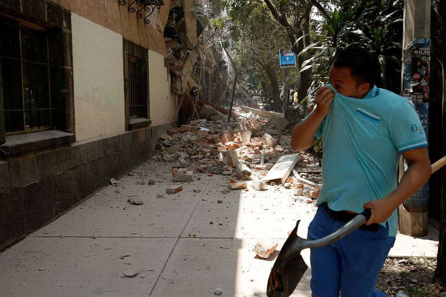 Terremoto de 7,1 graus deixa vários mortos no México - 19/09/2017