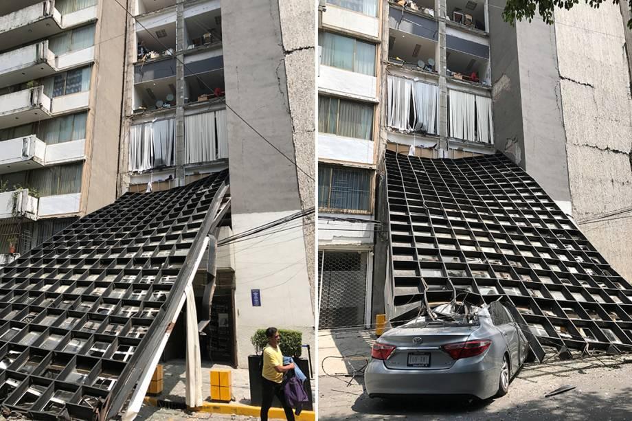 Estrutura de um prédio cai em cima de um carro após terremoto atingir Cidade do México, no México - 19/09/2017
