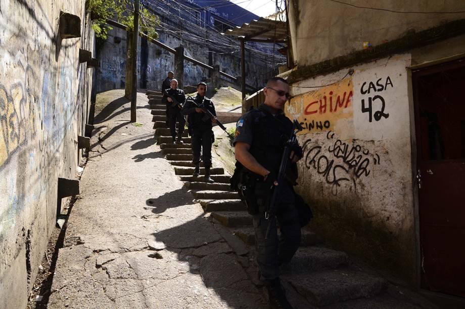 Tiroteio num dos acessos à favela da Rocinha, na Zona Sul do Rio de Janeiro, fecha a autoestrada Lagoa-Barra nos dois sentidos - 22/09/2017