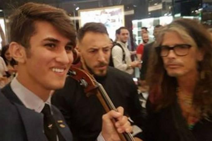 Steven Tyler, do Aerosmith e o violoncelista Abner Tofanelli