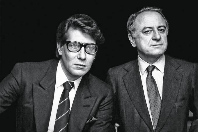 pierre bergéMagnata da moda, foi companheiro de Yves Saint Laurent (à esq., de óculos), com quem fundou a grife YSL
