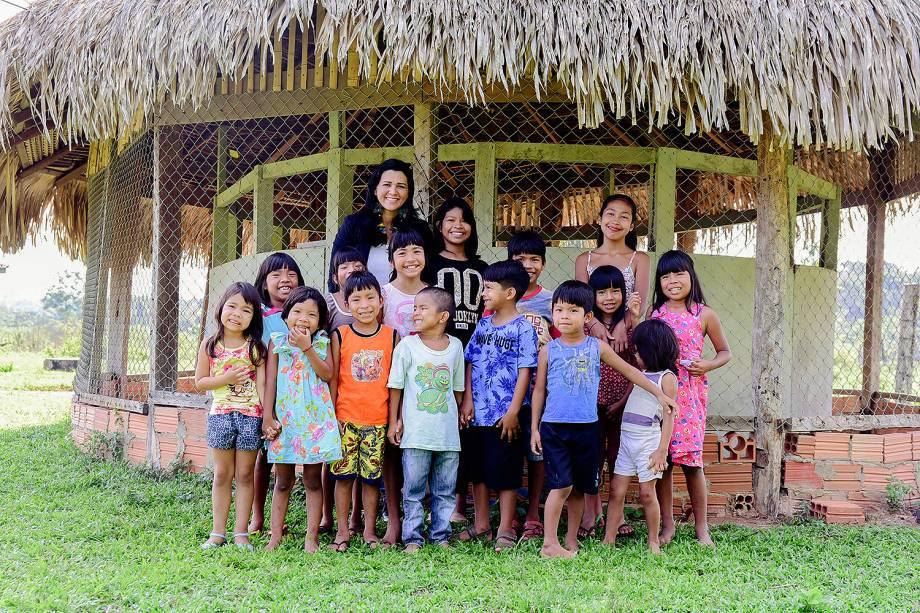 Os alunos da classe multisseriada de 1º a 5º ano de Elisângela falam paiter suruí