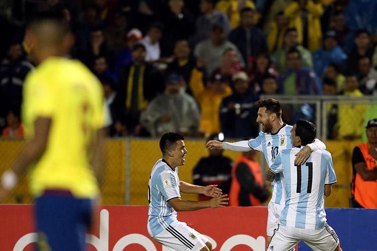 Messi comemora gol contra o Equador, pelas Eliminatórias da Copa da Rússia, em Quito