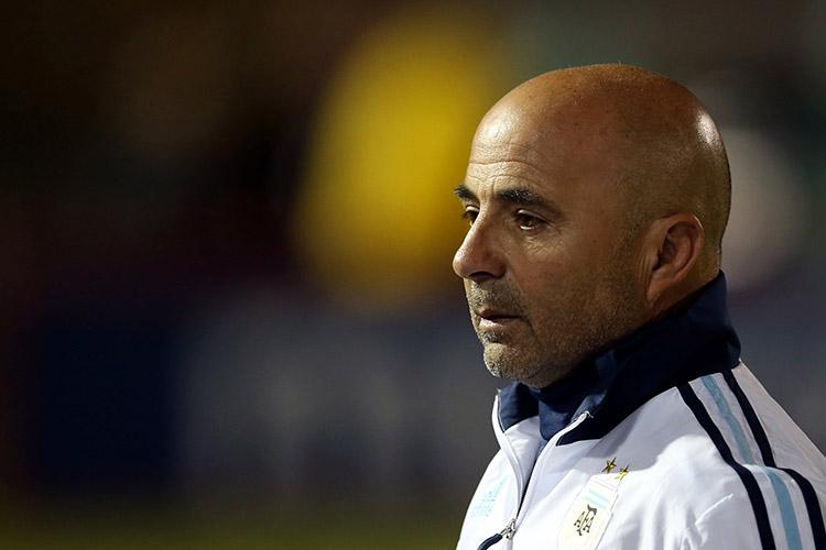 O técnico da Argentina, Jorge Sampaoli, durante partida contra o Equador, pelas Eliminatórias da Copa da Rússia, em Quito