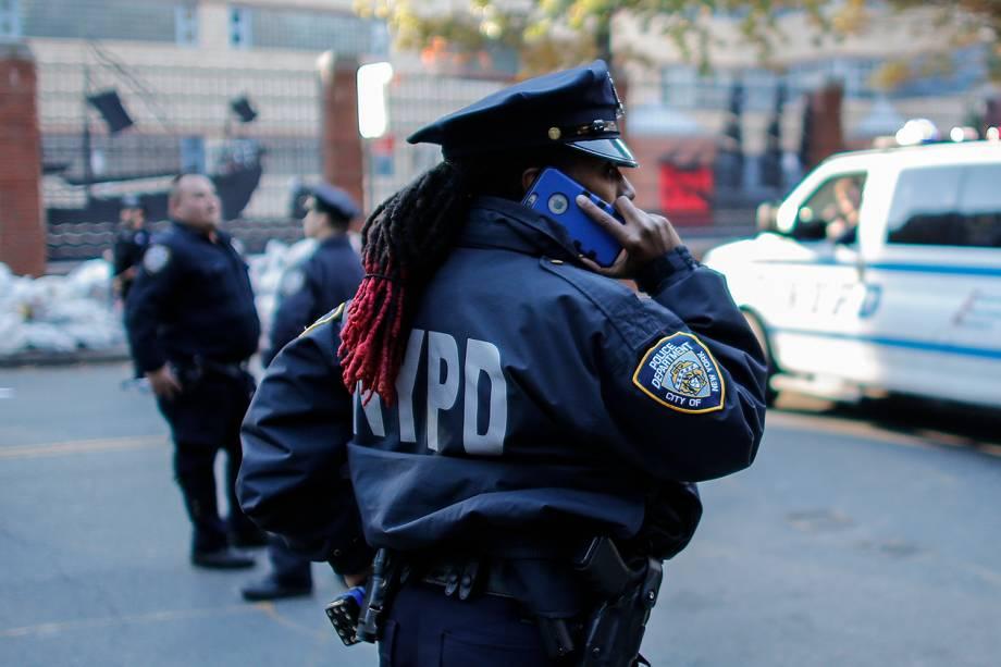 Polícia faz isolamento após motorista invadir ciclovia em Nova York - 31/10/2017