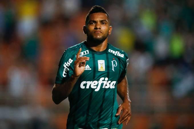 Borja comemora após marcar o segundo gol do Palmeiras contra a Ponte Preta, no Pacaembu