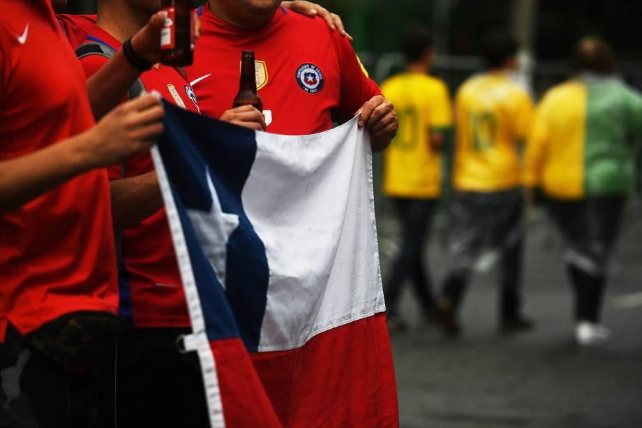 Torcida chilena nos arredores do Allianz Parque antes da partida contra o Brasil - 10/10/2017