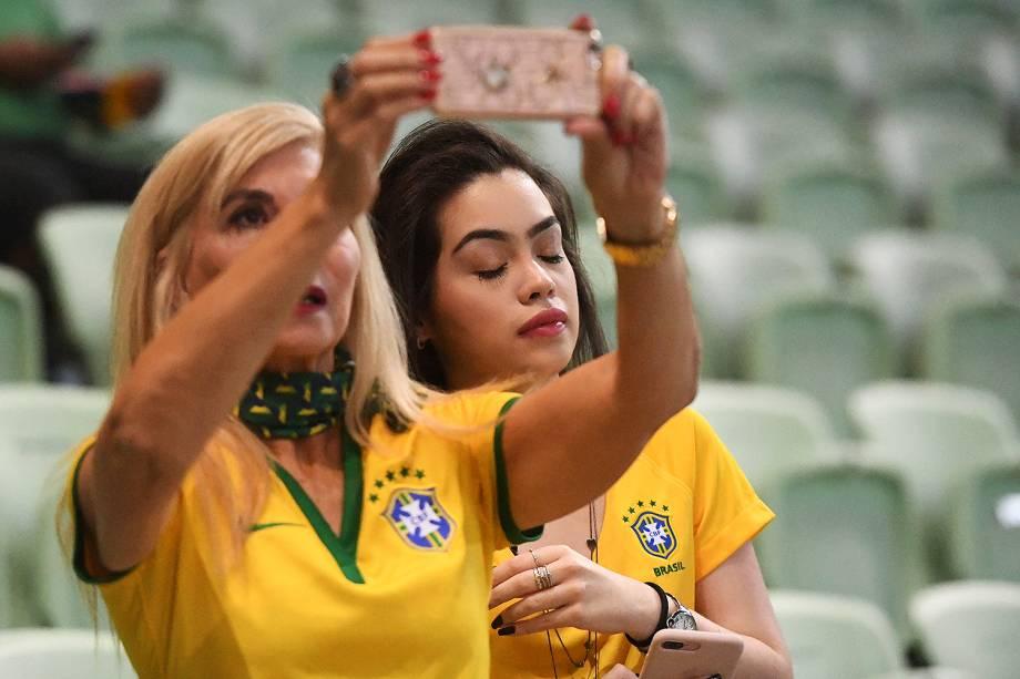 Movimentação de torcedores antes da partida entre Brasil e Chile válida pelas Eliminatórias da Copa da Rússia no Allianz Parque, em São Paulo - 10/10/2017
