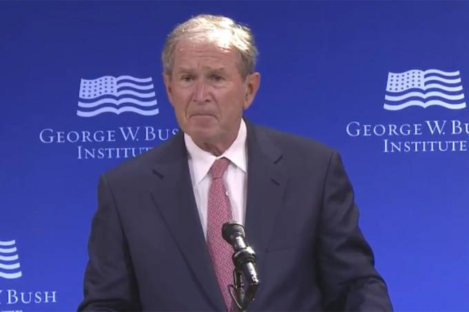 O ex-presidente dos EUA George W. Bush durante discurso, em Nova York