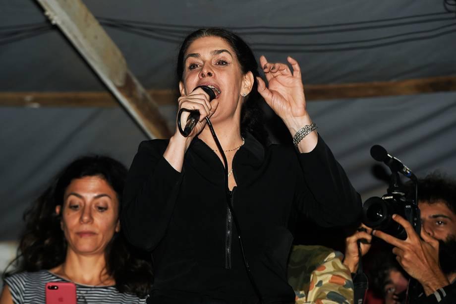 Paula Lavigne discursa no acampamento do MTST, em São Bernardo - 30/10/2017