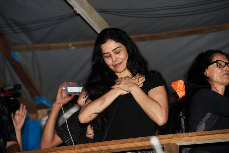 Leticia Sabatella e Sonia Braga no acampamento do MTST, em São Bernardo