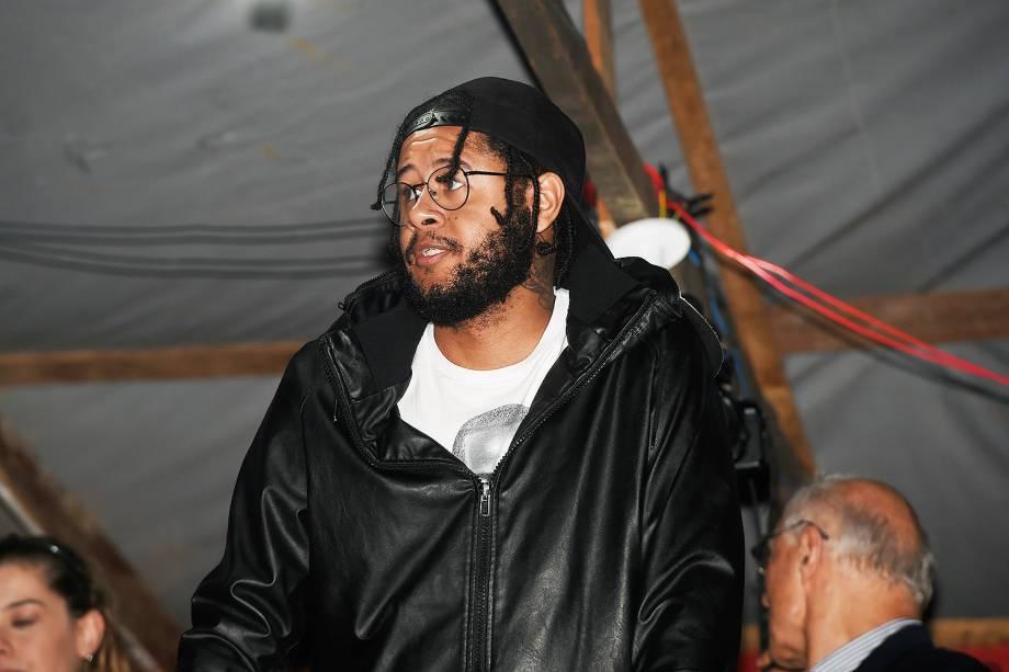 O rapper Emicida, no acampamento do MTST, em São Bernardo do Campo - 30/10/2017