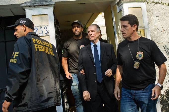 PRISÃO TEMPORÁRIA – Nuzman é conduzido à PF: a investigação revela que o esquema pode ter mais ramificações