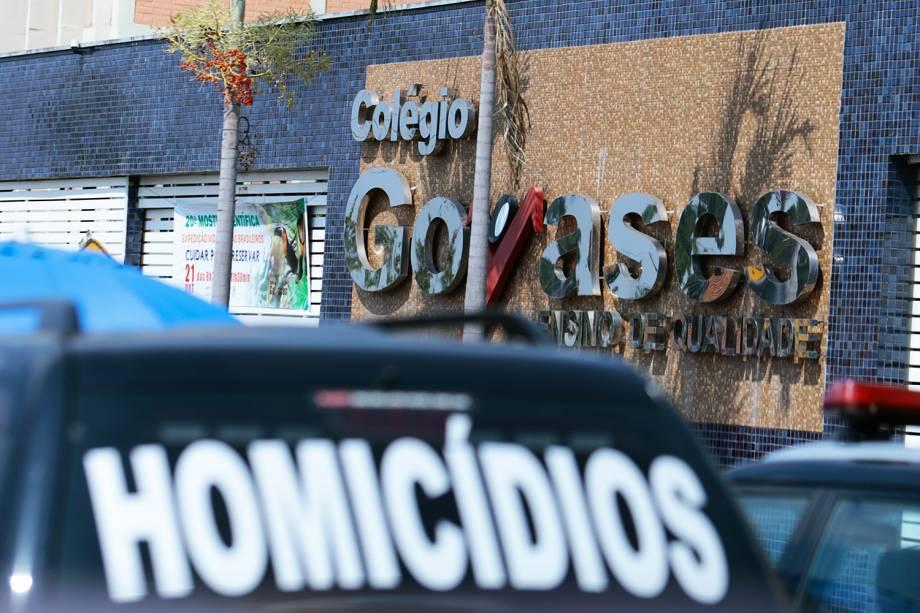 Um tiroteio na manhã desta sexta-feira (20) no Colégio Goyases, no Conjunto Riviera, em Goiânia, deixou dois mortos, dois meninos entre 10 e 12 anos, e mais quatro feridos, segundo informações do Corpo de Bombeiros e da Polícia Militar.