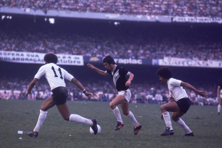 Corinthians contra a Ponte Preta, primeiro jogo da final do Campeonato Paulista, no Estádio do Morumbi, em 1977