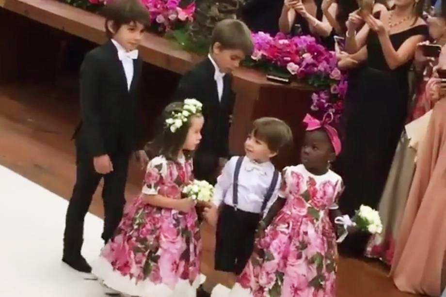 A daminha Titi no casamento de Marina Ruy Barbosa e Xandi Negrão
