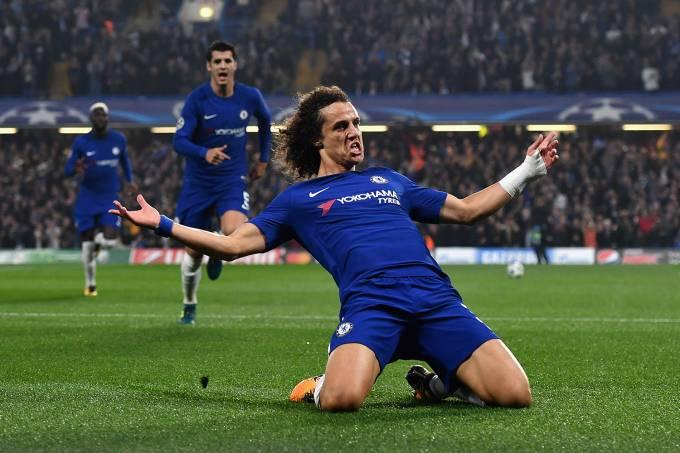David Luiz, do Chelsea, comemora gol contra a Roma, pela Liga dos Campeões, em Londres