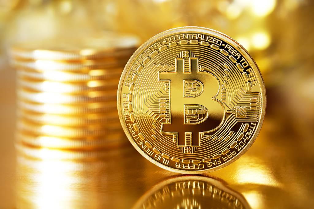 perseguirá fechar a conta para investimento em criptomoedas
