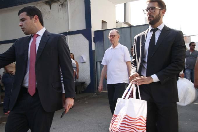 Carlos Arthur Nuzman deixa prisão
