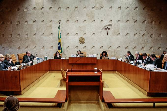 Imunidade – Depois da decisão do STF, o Senado se prepara para suspender as restrições ao senador Aécio Neves