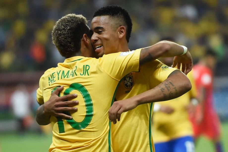 Neymar e Gabriel Jesus comemoram gol contra o Chile, pelas Eliminatórias da Copa da Rússia no Allianz Parque, em São Paulo - 10/10/2017