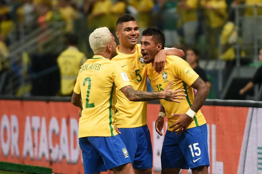 Jogadores do Brasil comemoram gol contra o Chile, pelas Eliminatórias da Copa da Rússia no Allianz Parque, em São Paulo - 10/10/2017