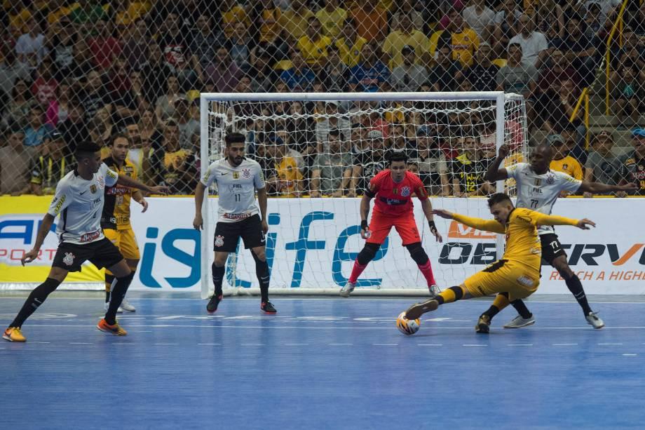 Partida final entre Sorocaba e Corinthians valendo o título da Liga paulista de Futsal