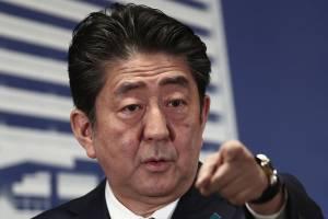 Primeiro Ministro japonês, Shinzo Abe, durante coletiva de imprensa na sede do Partido Liberal Democrático, em Tóquio