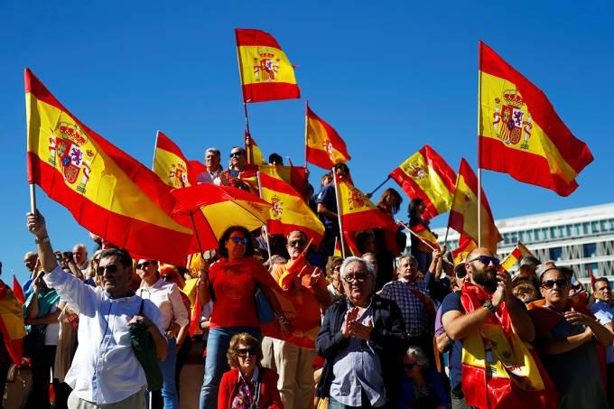 Protesto contra independência da Catalunha