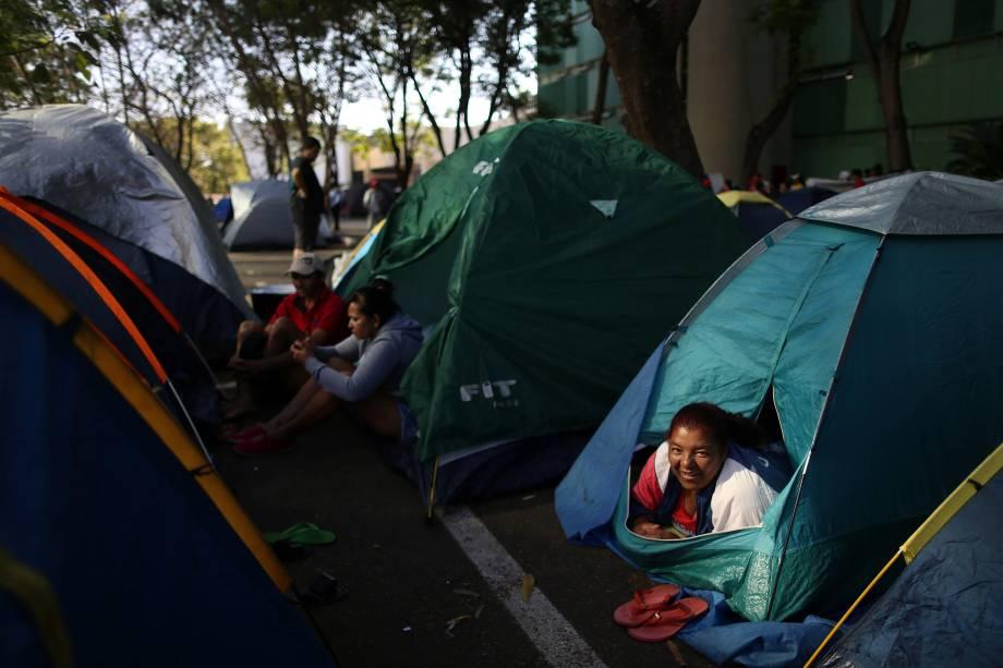 Membros do Movimento dos Trabalhadores Sem-Teto ocupam região do Ministério do Planejamento, Desenvolvimento e Gestão durante protesto em Brasília - 17/10/2017