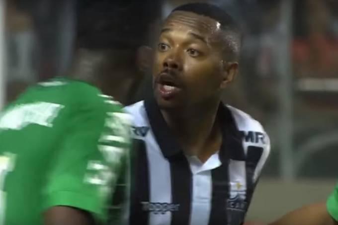 Robinho provoca Moisés Ribeiro, da Chapecoense