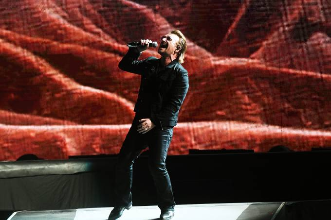 O vocalista da banda U2, Bono Vox