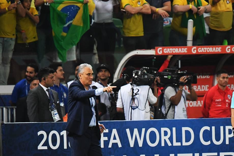 O técnico Tite durante Partida entre Brasil e Chile, válida pela 18ª rodada (última) das Eliminatórias Sul-Americanas da Copa de 2018 (Rússia) no Allianz Parque, em São Paulo (SP) - 10/10/2017