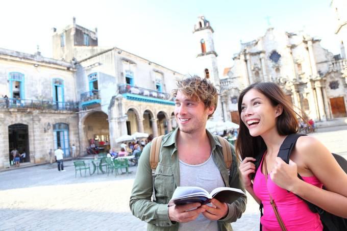 Turistas em Cuba