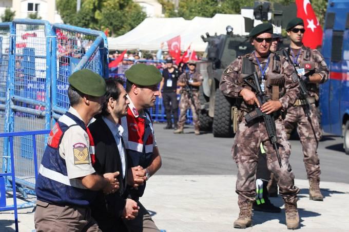Soldado acusado de tentar assassinar o presidente da Turquia, Tayyip Erdogan, após último julgamento, em Mugla – 04/010/2017
