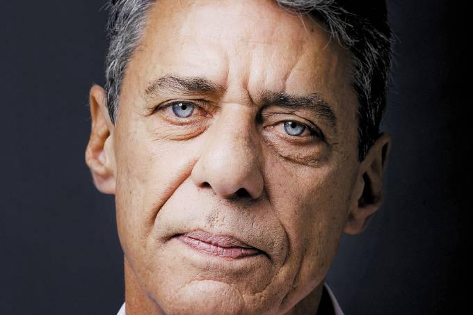 Chico Buarque de Hollanda.