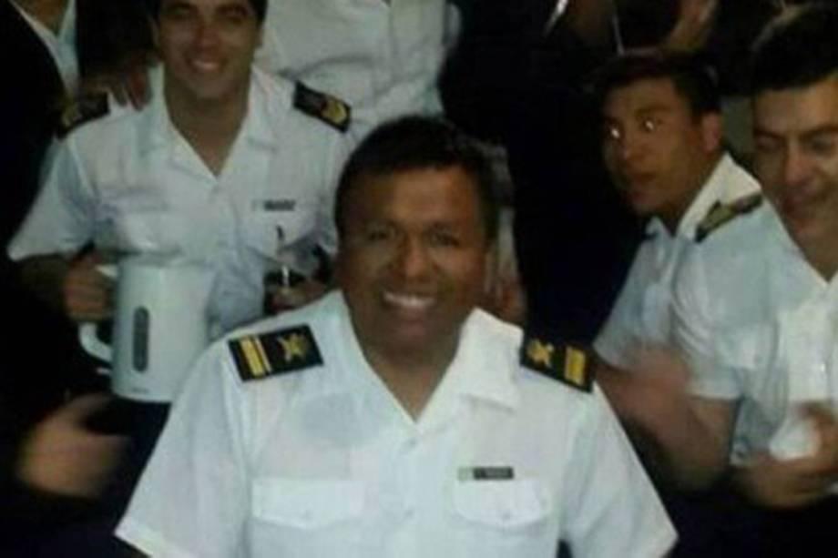 Hugo Arnaldo Herrera é segundo suboficial do San Juan e tem 39 anos. Trabalha na área de controle de tiro do submarino. É casado e tem um filho de 14 anos