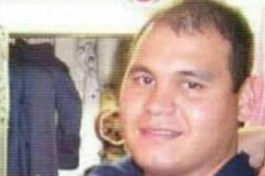 O cabo principal Jorge Isabelino Ortiz, de 32 anos, é encarregado da parte elétrica e dos motores do submarino juntamente a outros dois oficiais da embarcação. É casado e tem um filho de 2 anos