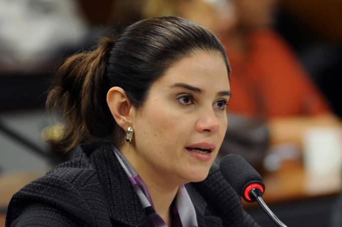 Aline Corrêa