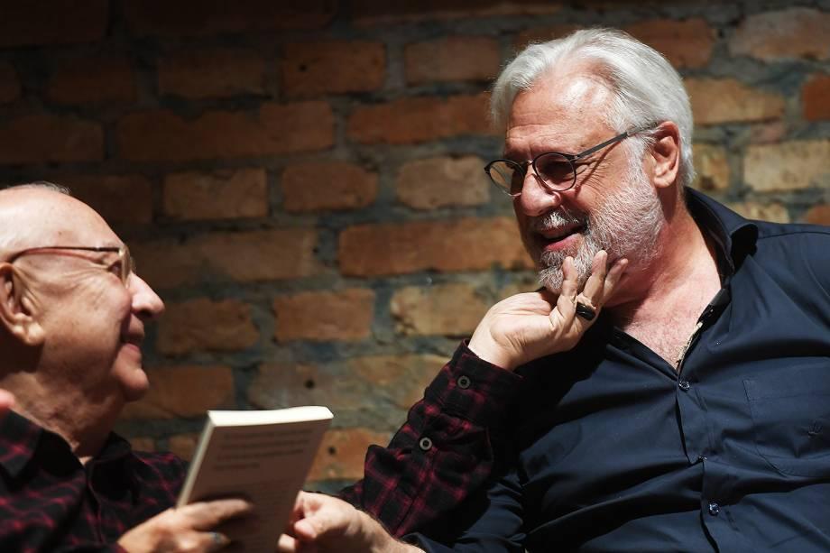 """Antonio Fagundes participou da leitura do novo livro de Fernanda Torres """"A Glória e Seu Cortejo de Horrores"""", no Teatro Oficina"""