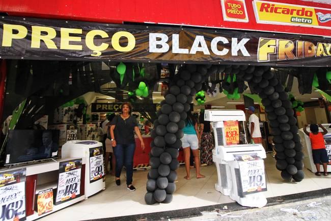 Black Friday - descontos - promoção - internet - preços